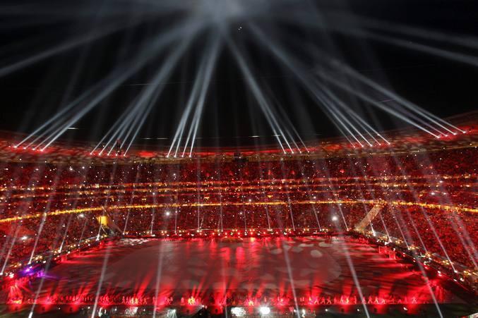 Colorida fiesta en la ceremonia de clausura del Mundial