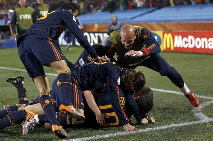 Villa y Casillas conducen a España a las semifinales del Mundial
