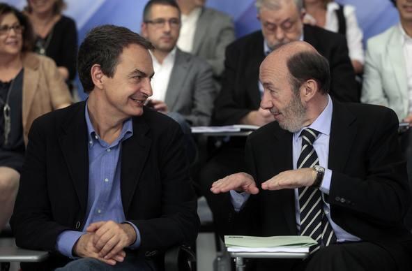 Rubalcaba pide al PSOE que le ayude a tirar del carro