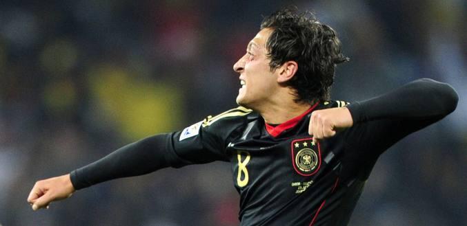 Ozil da el triunfo a Alemania