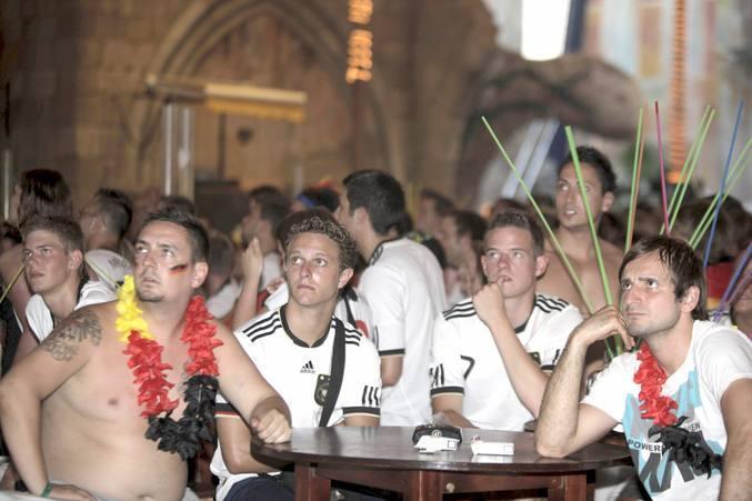 Los alemanes sufren con la derrota de su selección