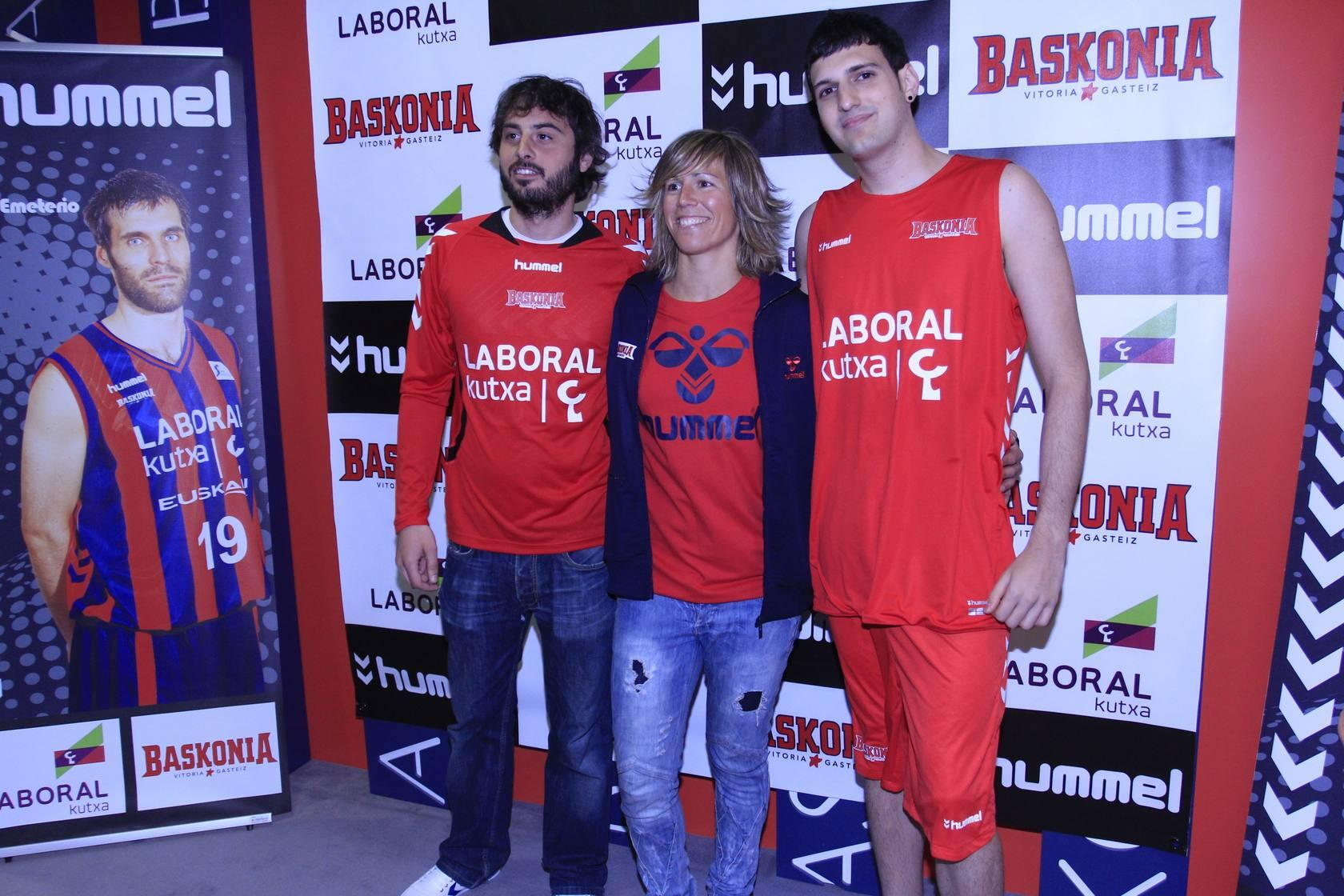 Las nuevas camisetas del Baskonia