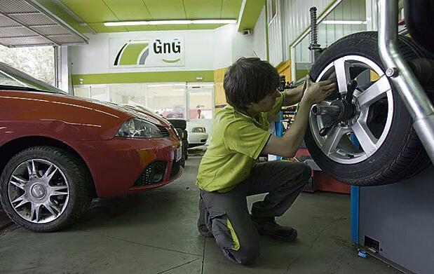 Cambio de neumáticos en 1ª marcas