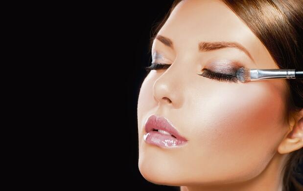 Peeling facial + clase de maquillaje
