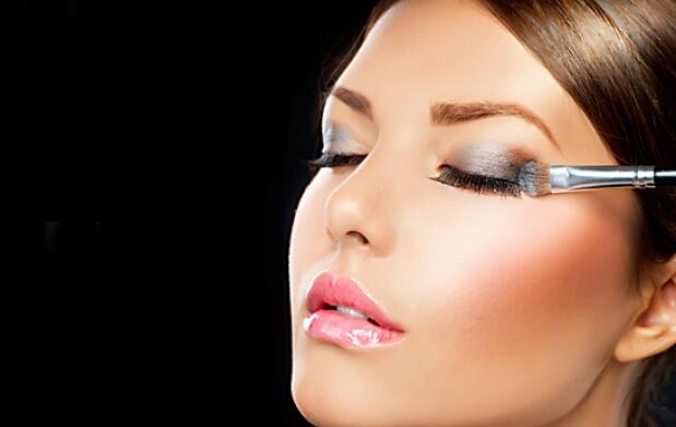 Peeling facial+clase de maquillaje