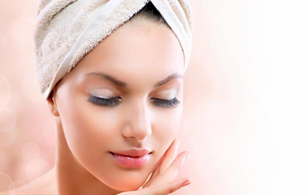Limpieza facial, exfoliación y mascarilla