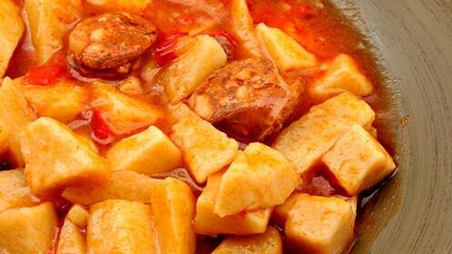 Visita a bodega + cata + menú especial
