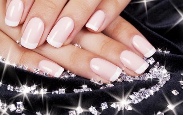 Manicura de uñas de gel