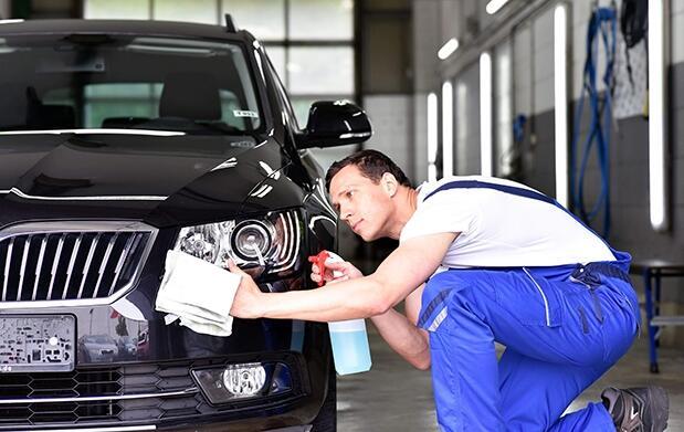 Lavado de coche exterior a mano