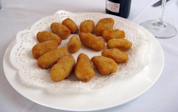 Menú con Cordero lechal en Caserío