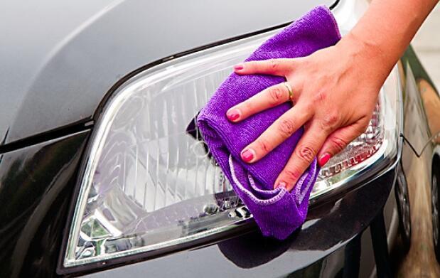 Lavado completo de coche en Barakaldo