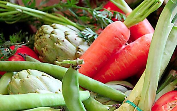 Caja de verduras de temporada espectacular