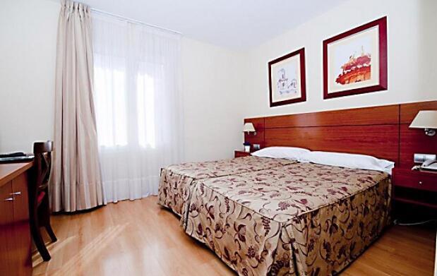 Hotel Palacios + visita a Bodega