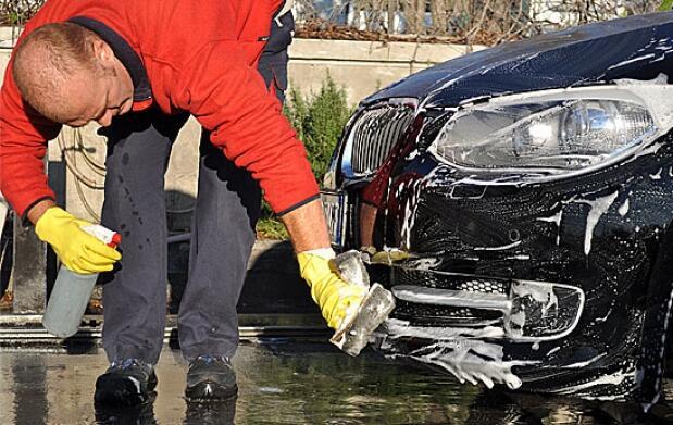 Lavado exhaustivo manual de tu coche