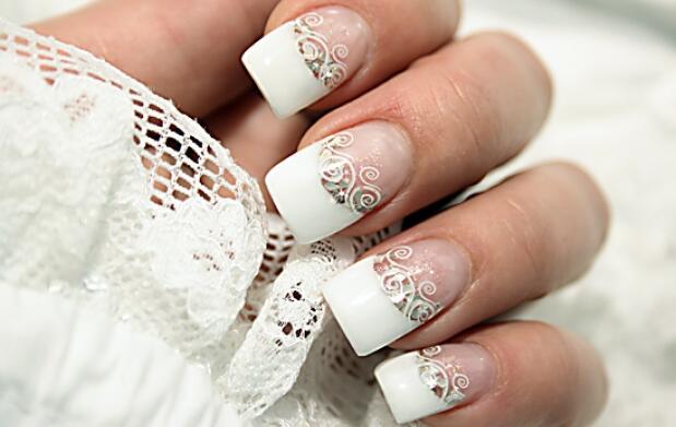 Manicura completa + uñas de gel y más