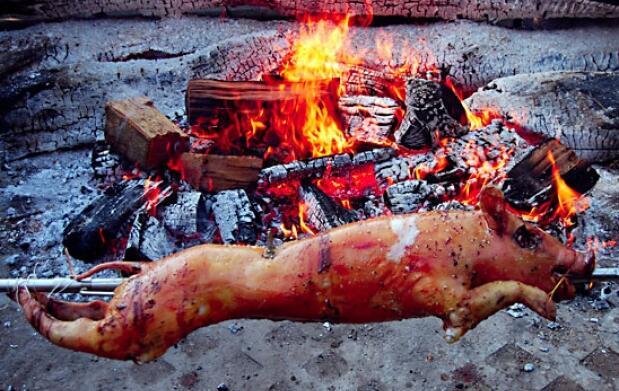 Elige Txuletón o Cochinillo en tu menú