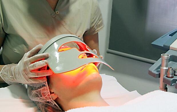 Tratamiento facial con luz de Led