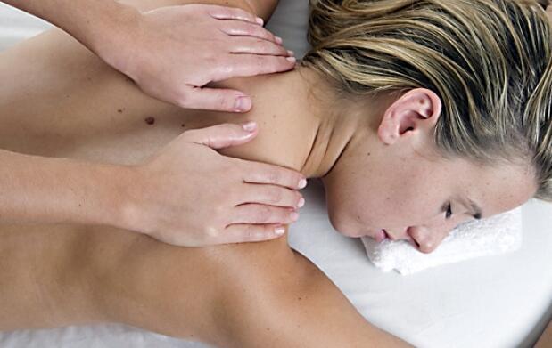 Peeling corporal completo más pedicura
