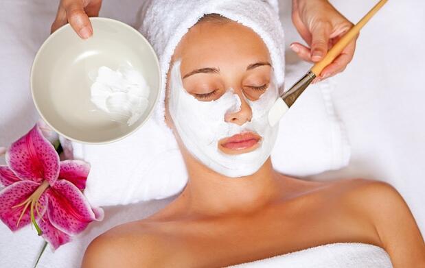 Tratamiento de espalda, facial y spa