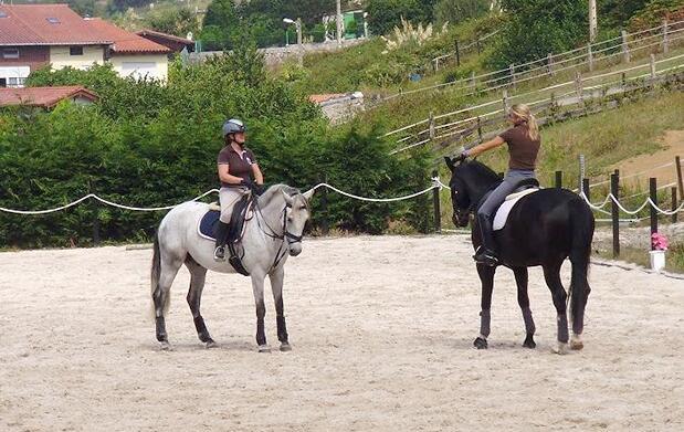 3 clases de equitación en Laredo
