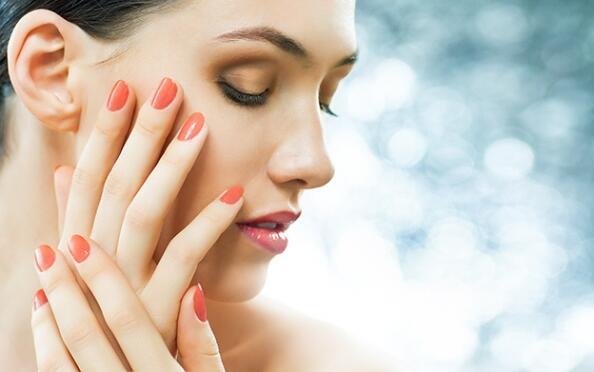 Manicura completa y/o limpieza facial