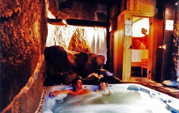 Noche para 2 con spa privado y cava