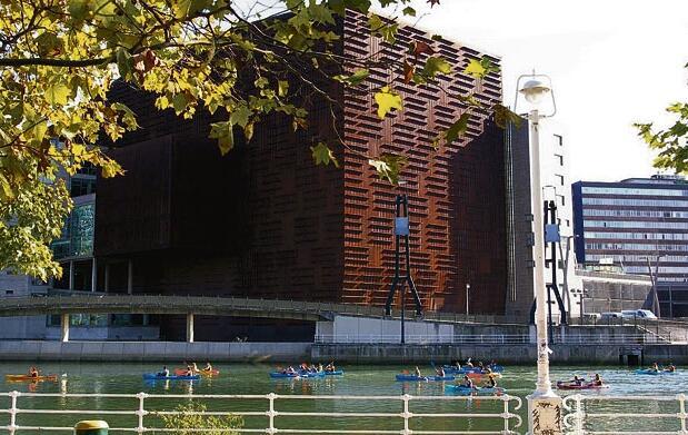 DibertigarRia: Museo, piragua y barco