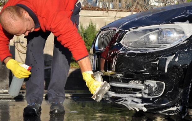 Mantenimiento o lavado para tu coche