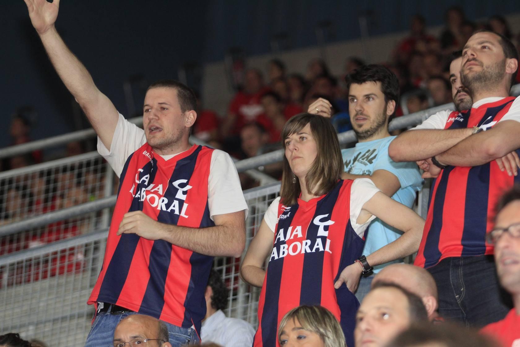 Baskonia - CSKA. La marea roja lleva en volandas al equipo