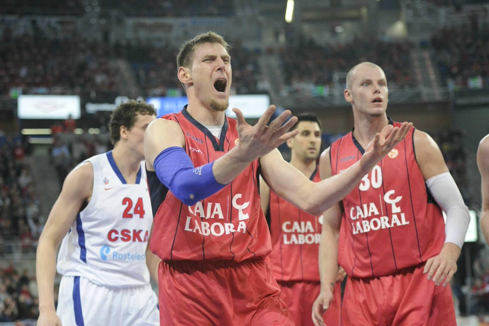El Baskonia se despide de la Euroliga tras un bochornoso arbitraje