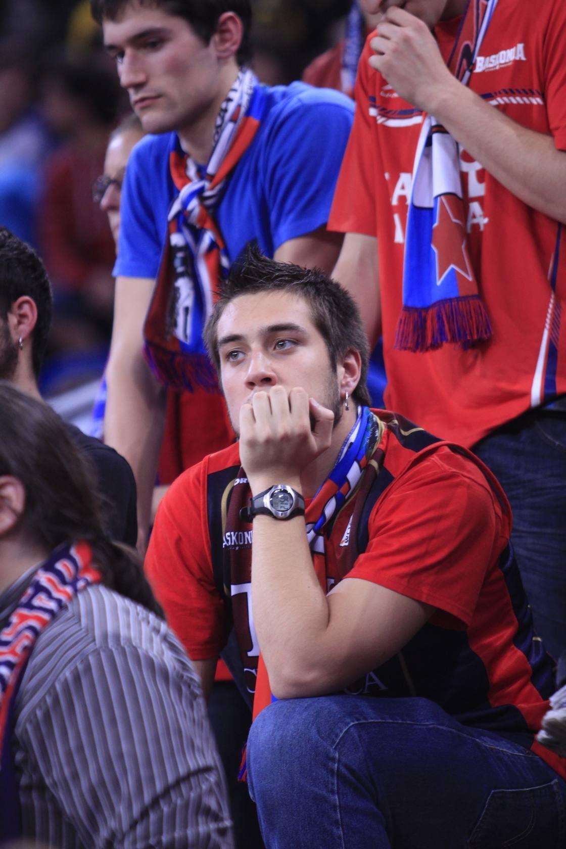 Terrible decepción en el Buesa Arena tras la eliminación contra el Gran Canaria
