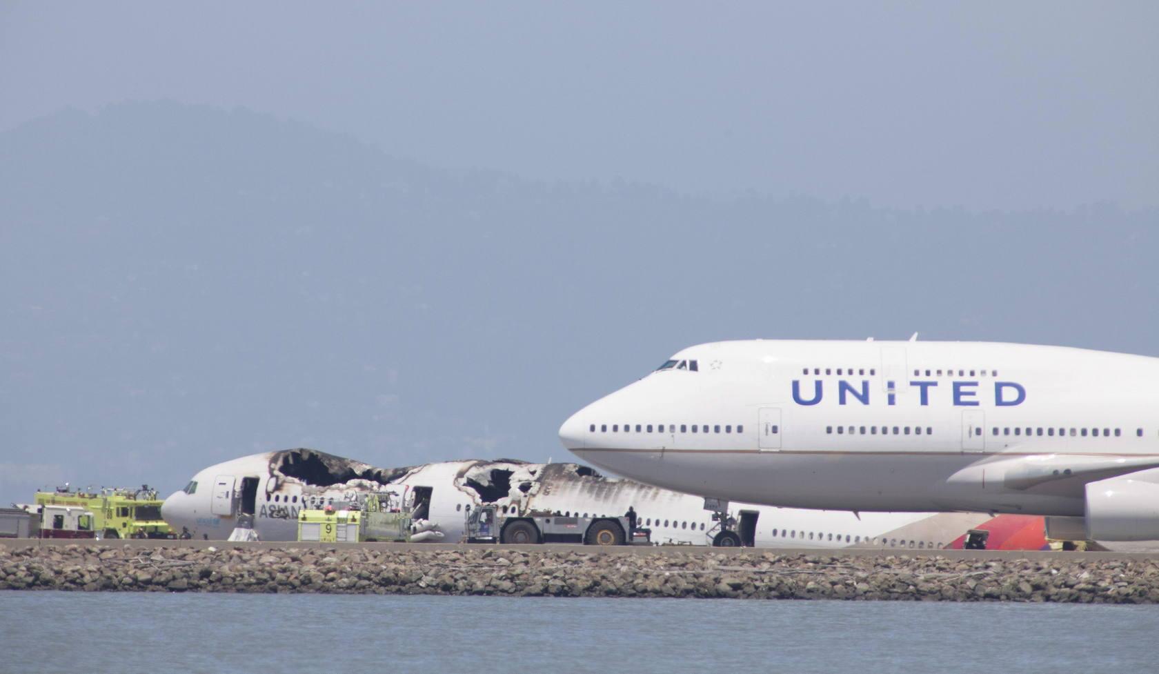Un avión se estrella al aterrizar en el aeropuerto de San Francisco