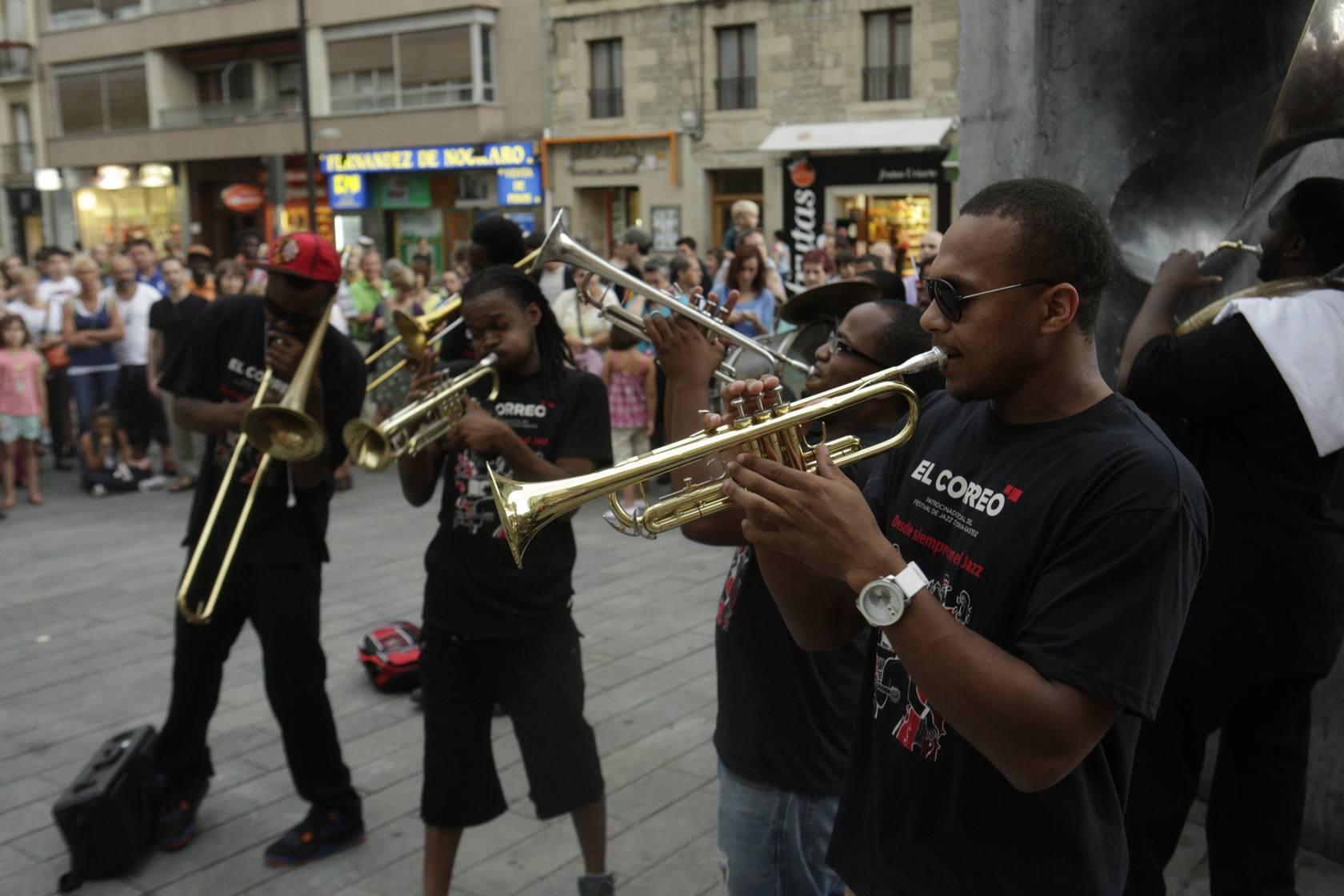 El jazz más callejero de Nueva Orleans toma Vitoria