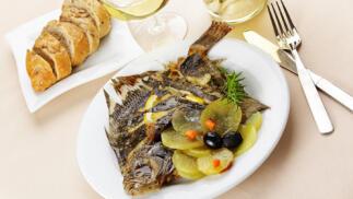 Exquisito menú de marisco, txuleta o rodaballo