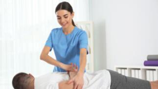 Masaje fisioterapéutico combinado con electroterapia o magnetorapia