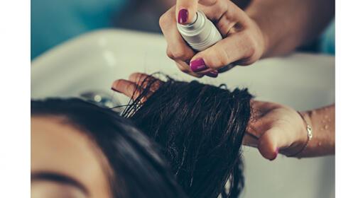 Sesión de peluquería con tratamiento nutritivo