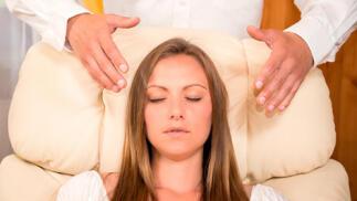 Terapia de hipnosis grupal o individual