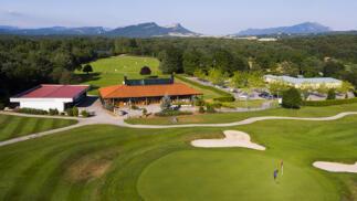 Bautismo de golf + comida en Izki Golf (Álava)