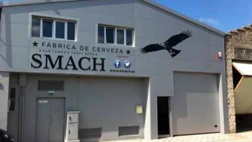 Fábrica de cerveza smach, visita, cata y tapeo para 2 por 9€