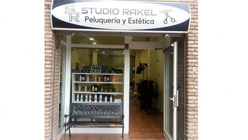 Sesión de peluquería con corte, peinado e hidratación en Bilbao