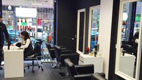 Sesión de peluquería para mujer y hombre en Bilbao