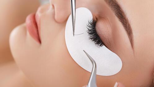 Extensión de pestañas pelo a pelo con opción a diseño y microblading de cejas