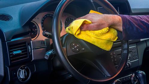 Lavado de coches con desinfección en Las Arenas