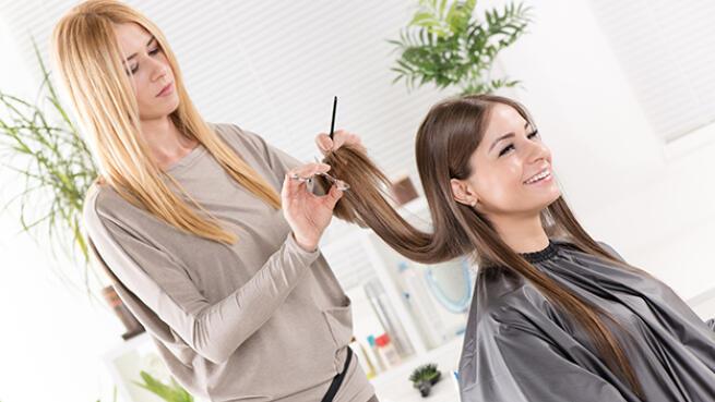 Sesión de peluquería en Las Arenas