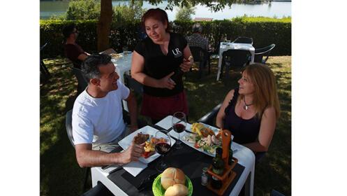 Con vistas al pantano, menú degustación en el Restaurante Urbazter